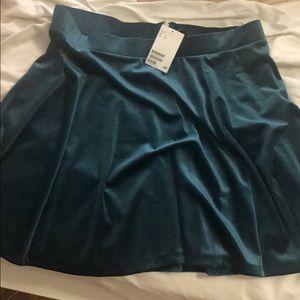 Teal Velvet skirt (h&m) tags on, never worn